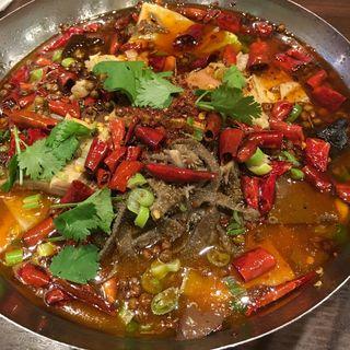牛内臓と野菜のマーラー鍋