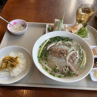 牛肉フォーセット(ベトナム料理レストラン 333)
