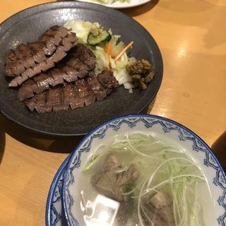 特切り厚焼き定食(2枚4切)(味の牛たん 喜助 定禅寺店 (きすけ))