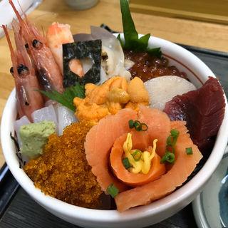 よくばり丼(味鮮まえかわ )