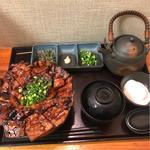 (炭火豚丼 豚野郎)