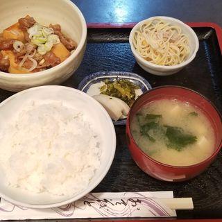 すき焼き風肉豆腐定食