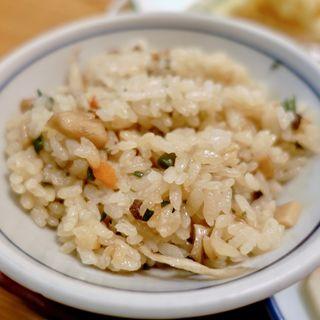 かやくご飯(うどん割烹 花きり (はなきり))
