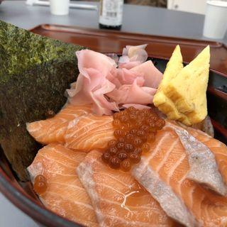サーモンいくら丼(大起水産 街のみなと 堺店 (【旧店名】活魚流通センター))