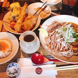 串天五種盛りかしわキーマうどん(京都四条くをん)
