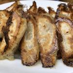 餃子(にんにく、チーズ、カレー)