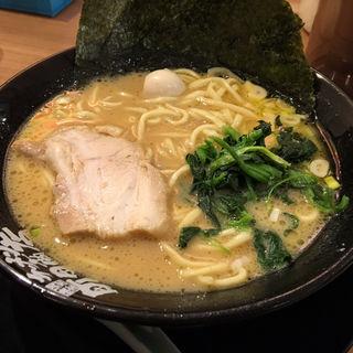 ラーメン (横浜家系ラーメン 町田商店 泉バイパス店)