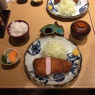 上ロースかつ定食(ぶた いながき)