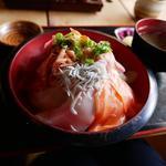 まるごと伊豆の海鮮丼