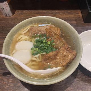 ソーキそば(沖縄食堂 やんばる)