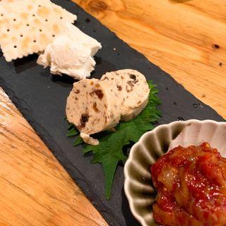 チャンジャとクリームチーズ(魚専門店 漁十八番)