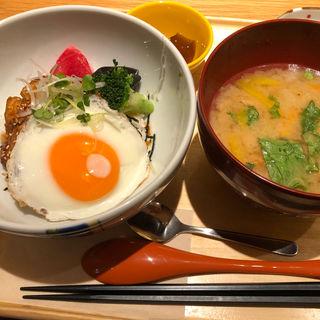 サーモンハラスのかば焼きご飯(マルモキッチン 京都ポルタ店 )