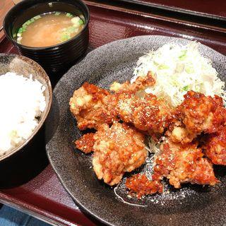 韓国風辛辛 唐揚げ定食