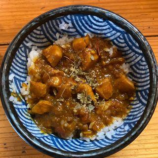 チキンカレー丼(極麺 青二犀 (ゴクメン アオニサイ))