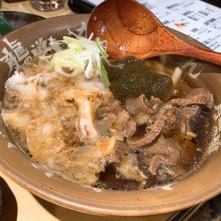 牛すじかすうどん(焼肉ホルモン 龍の巣 新宿三丁目店 )