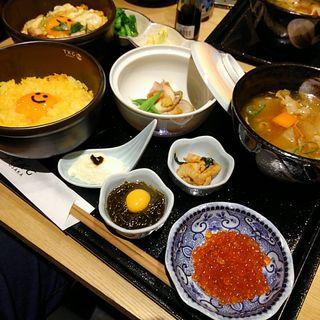 産直播州地卵のたまごかけご飯と究極の親子丼(野乃鳥なんば堂)