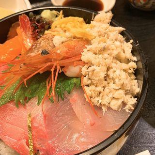 海鮮丼(兼久 (かねきゅう))