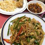 青椒肉絲刀削麺炒め