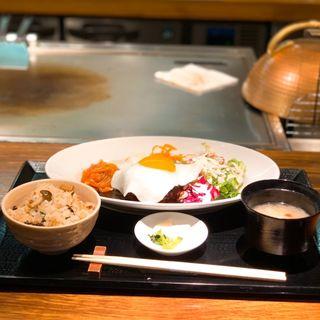 ハンバーグステーキ定食(ガーリックライスに変更)(八丁堀黒きん )