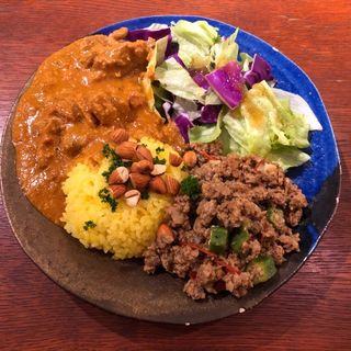 2種あいがけ(バターチキンカレー/キーマカレー)(お昼のサンピーヌ)