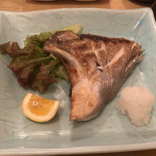 かんぱちカマ塩焼き(大地と海のめぐみ 魚 (だいちとうみのめぐみ ぎょっ))