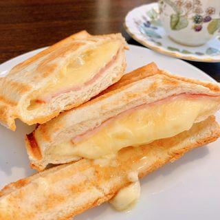 ホットサンド(ハムチーズ)