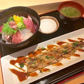 炙り穴子一本のせ海鮮丼(赤坂 まえ田)