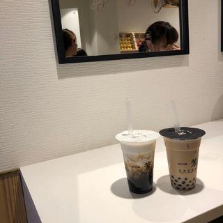 タピオカミルクティー(一芳(イーファン) 新宿店)