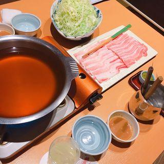 味くらべしゃぶしゃぶ もち豚イベリコ豚(もち豚しゃぶしゃぶ 新宿武蔵 )