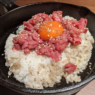 鉄板鍋和牛ユッケご飯(個室焼肉ITADAKI 馬車道)
