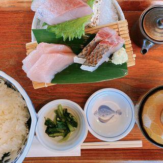 地魚のお刺身定食(江ノ島小屋)