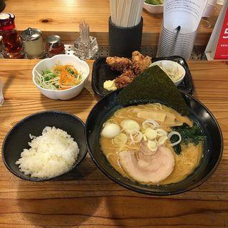 クリーミーTounkotsu ランチセット(クリーミーTonkotsuラーメン 麺家 神明 栄スカイル店)