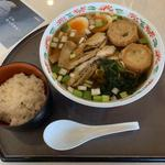 炙り鶏と仙台麩の醤油ラーメン