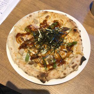 チキンと半熟卵のテリマヨピッツァ(ピッツァナポレターノカフェ 新宿御苑前店 )