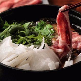 千日和牛のダイスキ (肉屋の出汁すき焼き)(四季旬菜居酒屋 華音)