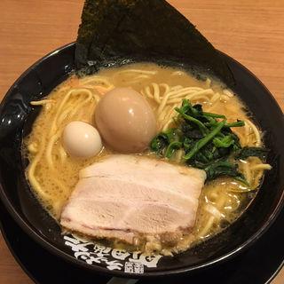 味玉ラーメン(横浜家系ラーメン 町田商店 泉バイパス店)