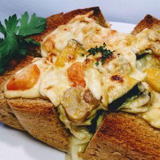 根菜とチキンのグラタンオープンサンド(&sandwich.)