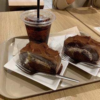 生チョコのロールケーキ(E PRONTOラゾーナ川崎プラザ)
