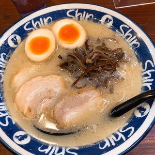 煮玉子入りラーメン(博多らーめん ShinShin KITTE博多店)