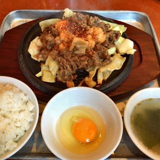 ミックス牛定食(焼肉ホルモン アポロン 神田駿河台)