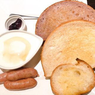 3種のトーストモーニング(サンドッグイン神戸屋 八重洲店 )