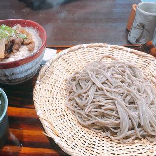 ◆当店一番人気! 名物もちもちざるそばとミニ飛騨牛丼(そばの平甚 (そばのひらじん))