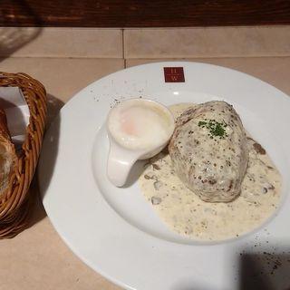 モッツァレラチーズハンバーグ クリームマスタードソース