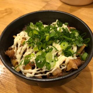 スジ丼(人情麺家 牛骨王 )