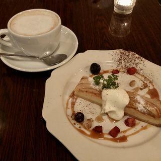 アップルキャラメルチーズケーキ(ジュディ カフェ (JEUDI CAFE))