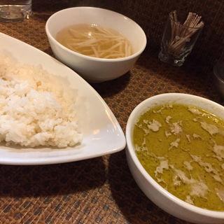 タイグリーンチキンカレー(タイ食堂 みうら屋 )