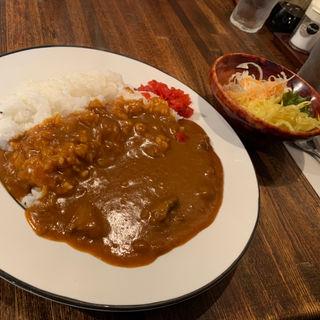 ロア特製ビーフカレー サラダ付き(ロア )