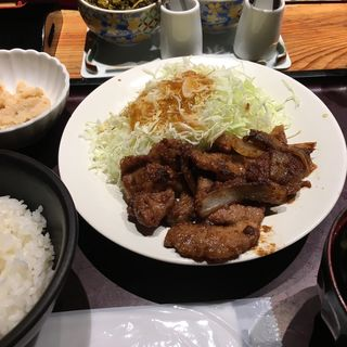 生姜焼き定食(博多もつ鍋 やまや 京阪京橋店)