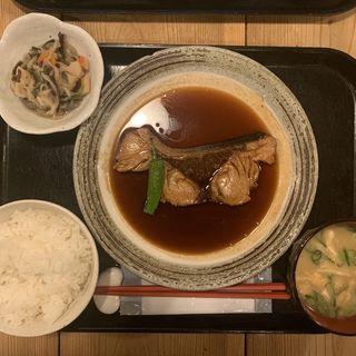 対馬・ブリ煮付け定食(梅山鉄平食堂 )