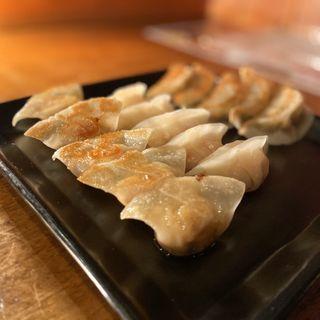 盛り合わせ(焼き餃子、エビ餃子、チーズ餃子)(AGO (アゴ【旧店名】まかない屋))